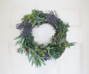 WREATH MAKING CLASS! 4/5 AT 5:30 PM
